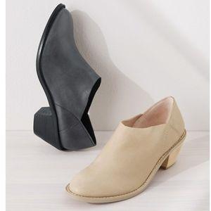 KELSI DAGGER Kensington Booties Gray Size 9